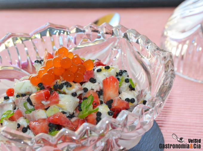 Tartar de anguila ahumada con fresas y un toque picante