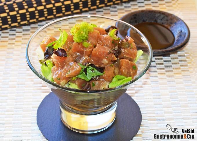 Tartar de atún con mostaza y salsa de ostras