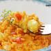 Arroz con tomate, queso feta y tomillo