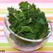 Cómo hacer chips de kale en el microondas