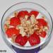 Crema de requesón, fresas y granola casera