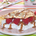 Crepes de avena con queso cottage, frambuesas y avellan