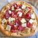 Pizza de verduras (sin tomate), aguacate y jamón ibéric