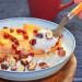 Porridge con avellanas y kaki persimon