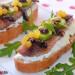 Sardina ahumada, requesón y tomate seco