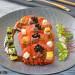 Ensalada de tomate con anchoa, aguacate y vinagreta ter