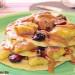 Tortitas de garbanzo con plátano, arándanos y crema de