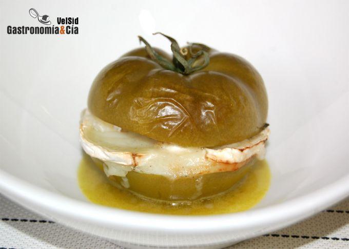 Tomates verdes asados con queso de cabra