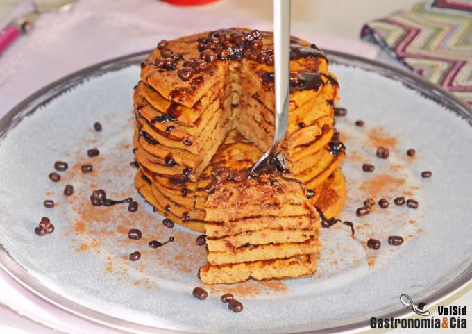 Tortitas de boniato, higos secos y canela