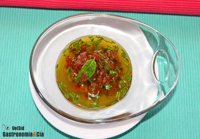 Vinagreta de tomate seco, cebollino y piñones