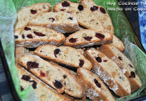 Biscotti de frutos secos y arándanos