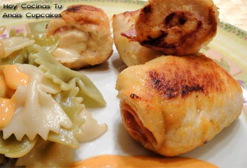 Rollitos de pollo con salsa de sobrasada y parmesano