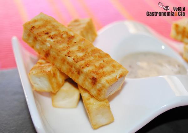 Tofu ahumado crujiente con salsa cremosa de soja y s samo - Como se cocina el tofu ...