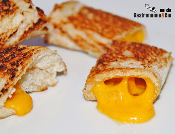 http://www.gastronomiaycia.com/wp-content/uploads/2012/03/rolls_cheddar2.jpg