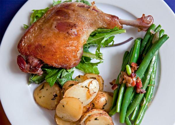 Confit de pato con patatas a la sarladaise