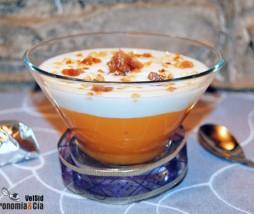 Postre de yogur con kaki y marron glacé