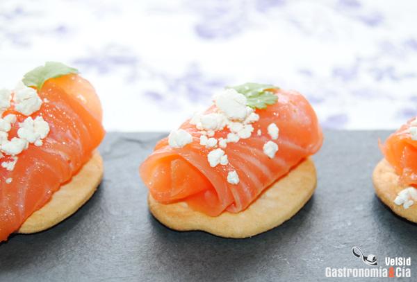 15 aperitivos con salm n ahumado o marinado para navidad - Aperitivos de salmon ahumado ...