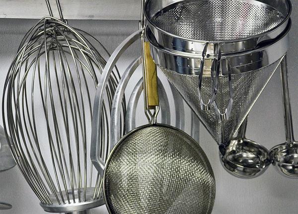 Manipulación correcta de los utensilios de cocina