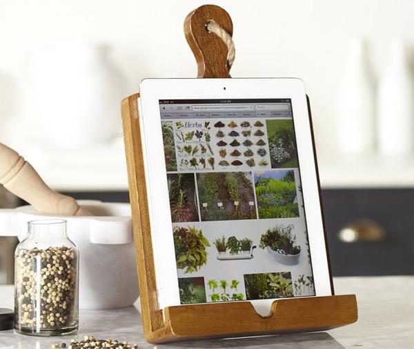 Convertir la tabla de cortar en un soporte para tablet for Soporte utensilios cocina