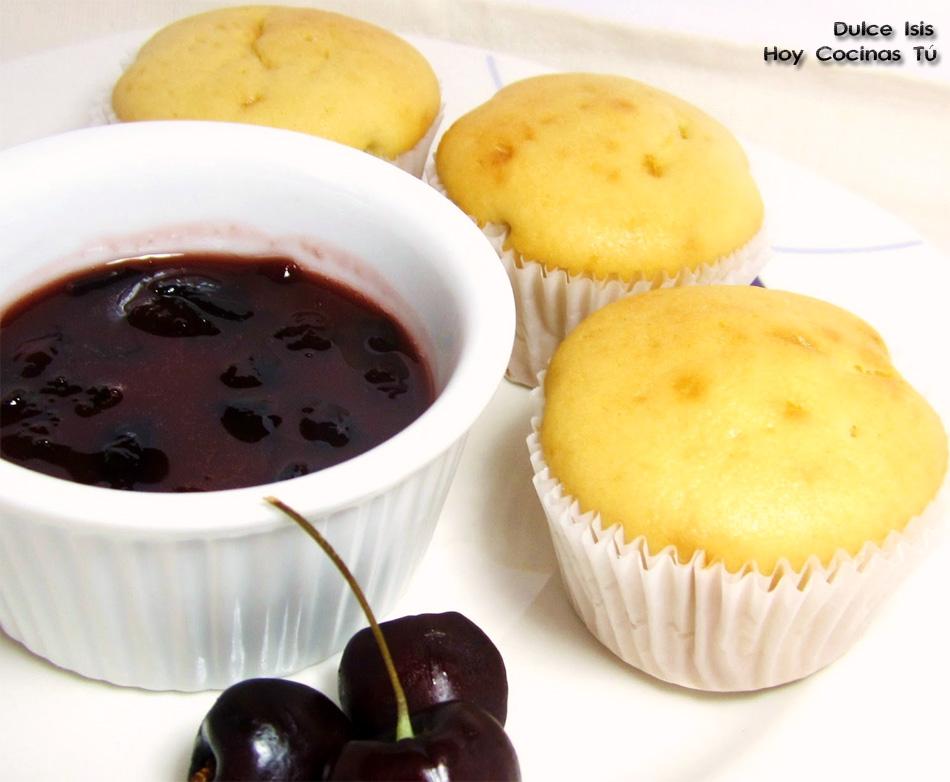 Hoy Cocinas Tú: Muffins de queso con salsa de cerezas