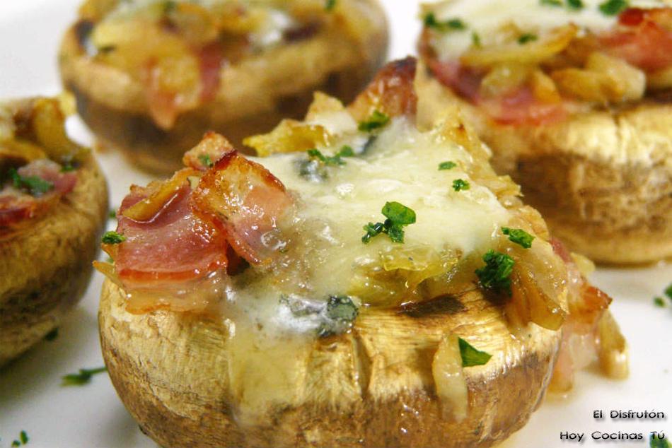Hoy Cocinas Tú: Champiñones rellenos de panceta, cebolla y roquefort