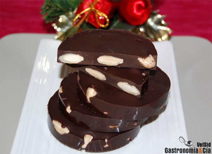 Receta de turrón de chocolate y almendras