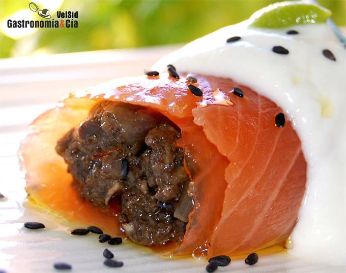Canelón de salmón y duxelles