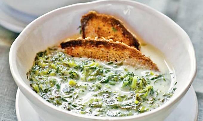 Soupe verte à la mauve