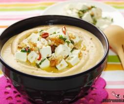 Hummus, feta y nueces