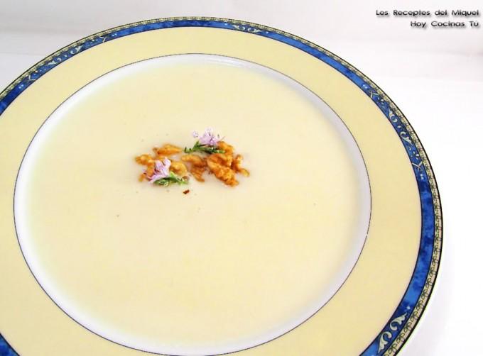 Sopa de peras y queso