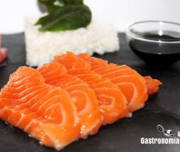 Limpiar salmón