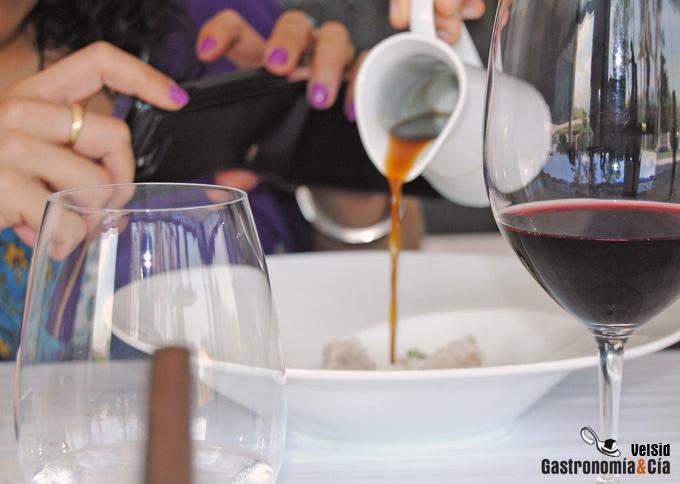 Usar el smartphone en el restaurante