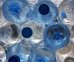 Agua embotellada de España