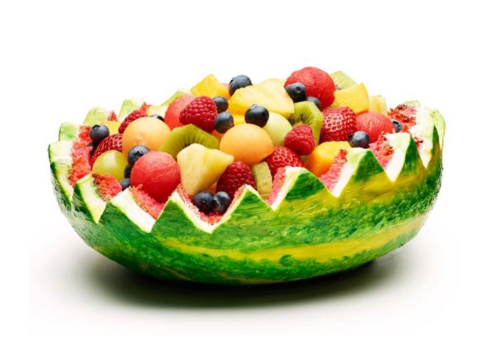 Cómo hacer un pastel cesta de frutas de sandía
