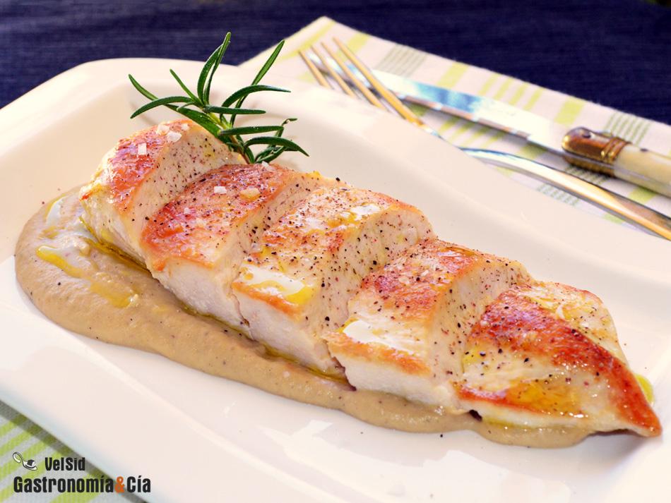 Pechuga de pollo con salsa de chiriv a y romero - Platos con pechuga de pollo ...