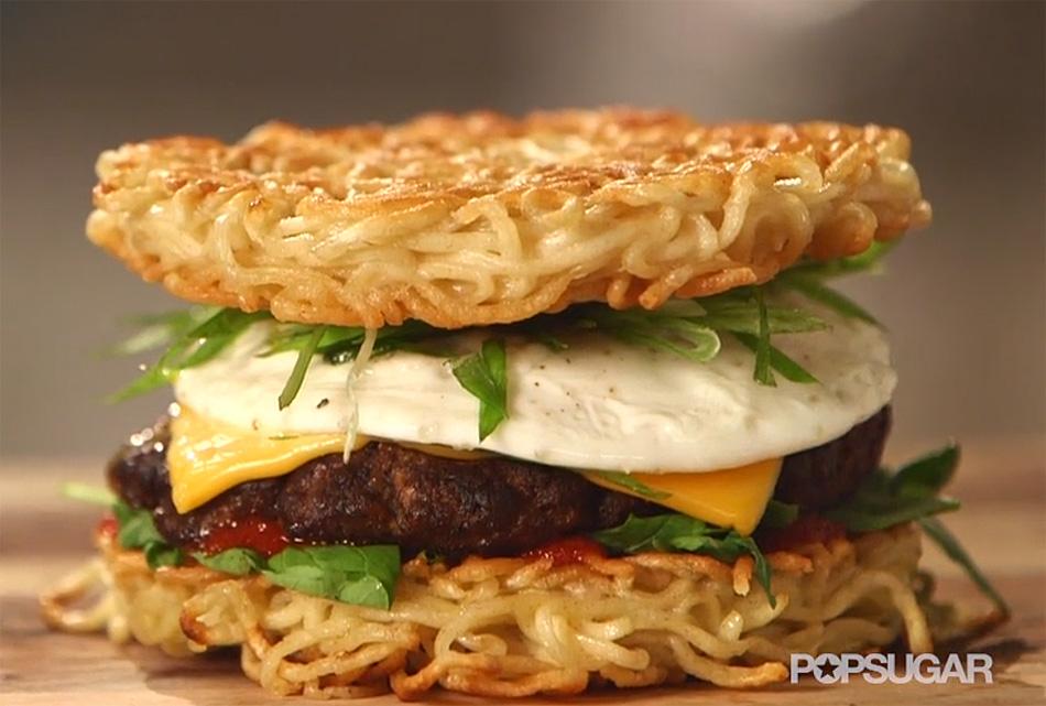 Cómo hacer una hamburguesa ramen. Vídeo receta