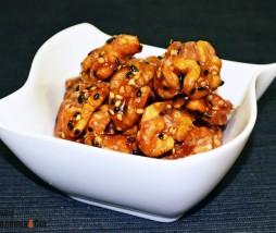 Nueces y semillas de sésamo caramelizadas