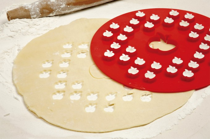 Apple pie top cutter