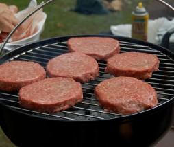 Carne contaminada por bacterias resistentes a los antibióticos