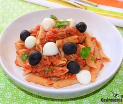 Pasta con vinagreta de tomate