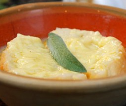 Agua hervida o sopa de ajo
