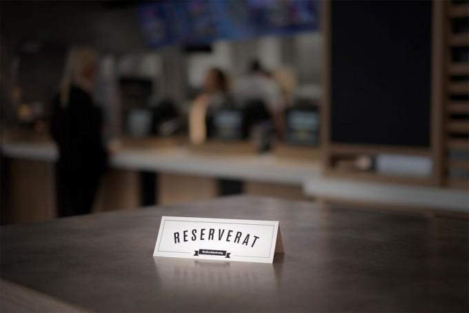Sistema de reservas en un establecimiento de comida rápida