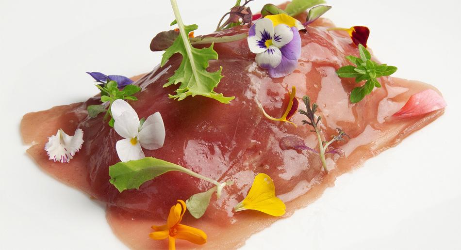 Carpaccio de atún, virutas de foie gras y Oporto de Susi Díaz