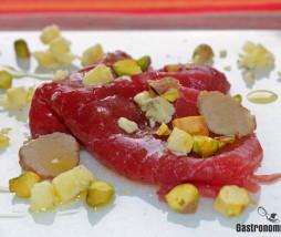 Receta de carpaccio con queso azul y pistachos