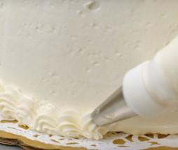 Cómo utilizar la manga pastelera y decorar con una boquilla