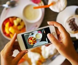 Compartir fotos de alimentos en las redes sociales