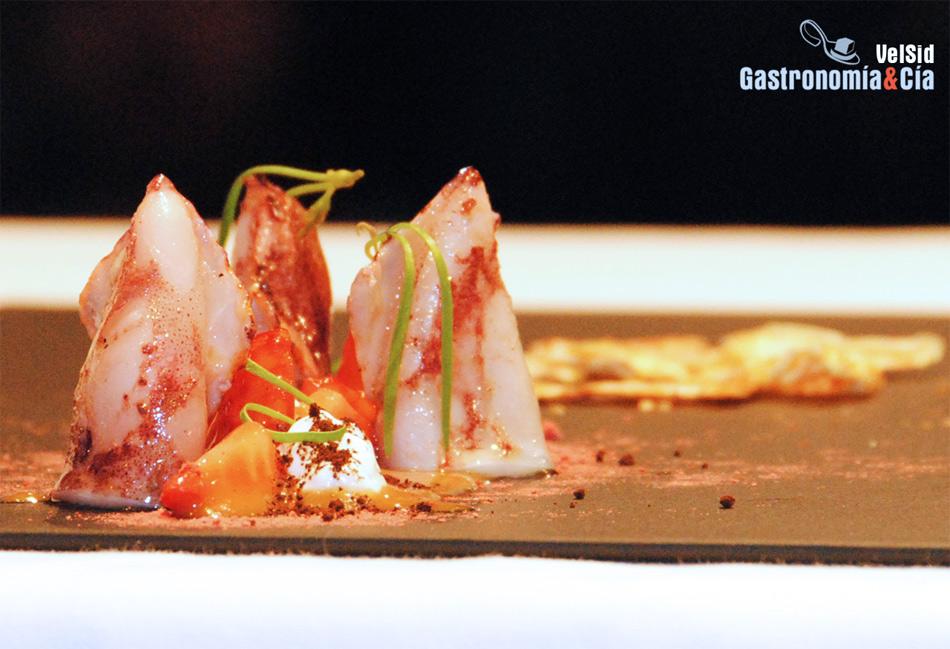 Kimchii De Fresas Y Chipirones De David Muñoz Gastronomía Cía