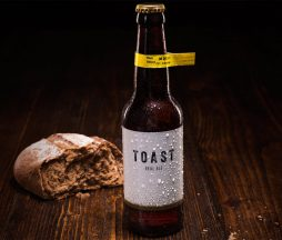 Cerveza elaborada con pan sobrante