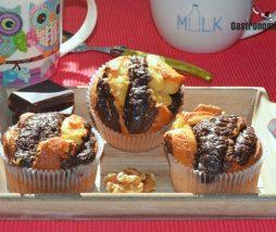 Magdalenas con nueces y chocolate negro