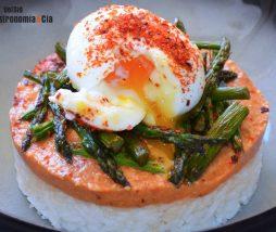 Receta de arroz, huevo y espárragos